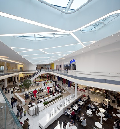 A glass roof over the Dining Experience at Centrum Černý Most shopping centre.