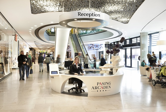 The reception desk at the shopping centre Pasing Arcaden