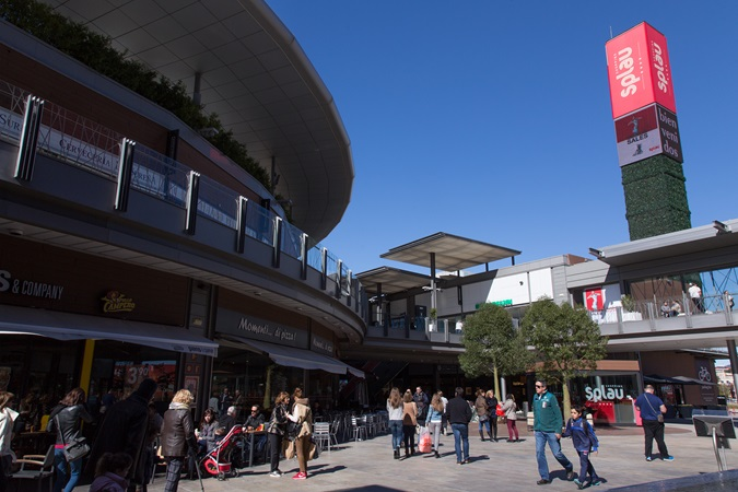 picture of outside shopping alleys at SPLAU