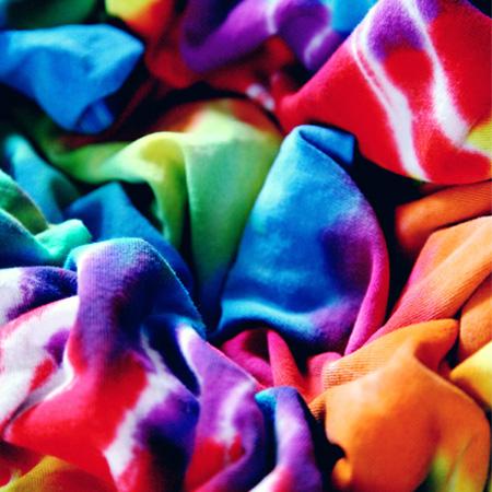 Batikfärgade kläder