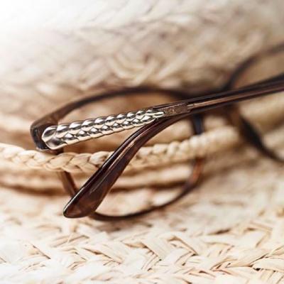 Glasögon i närbild